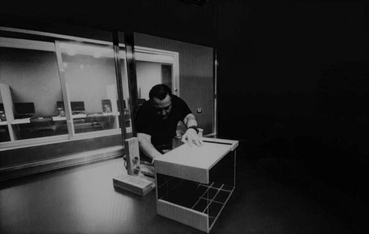 Prof. Muñiz en su Laboratorio Ambiental de Arquitectura Biotropical
